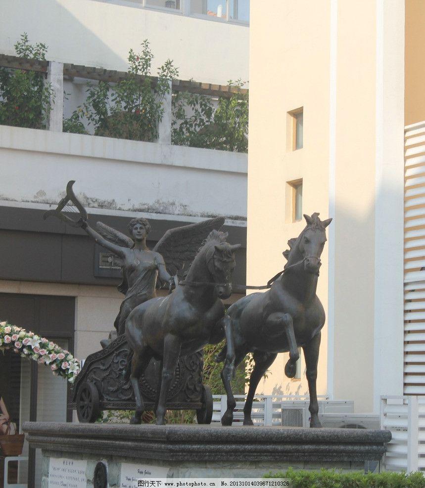 城市雕塑青铜马欧式建筑图片下载图片