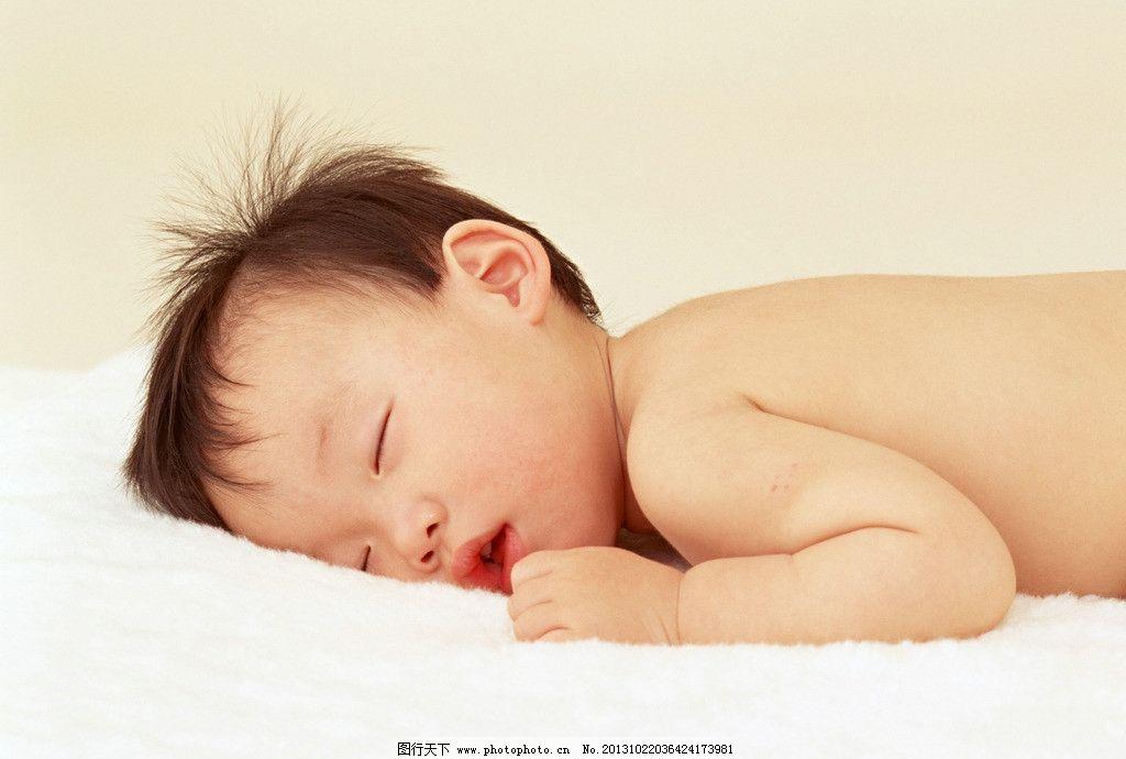 熟睡的宝宝 可爱的宝宝 宝宝 幼儿 娃娃 孩子百天宝宝 百天照 婴儿 婴孩 婴幼儿 宝贝 婴童 可爱宝宝 乖宝宝 帽子 小熊 小手 手指头 眯眼睛 小鼻子 小嘴 睡觉 睡眠 熟睡 酣睡 宝宝照 儿童摄影 宝宝摄影 儿童幼儿 人物图库 摄影 350DPI JPG 儿童