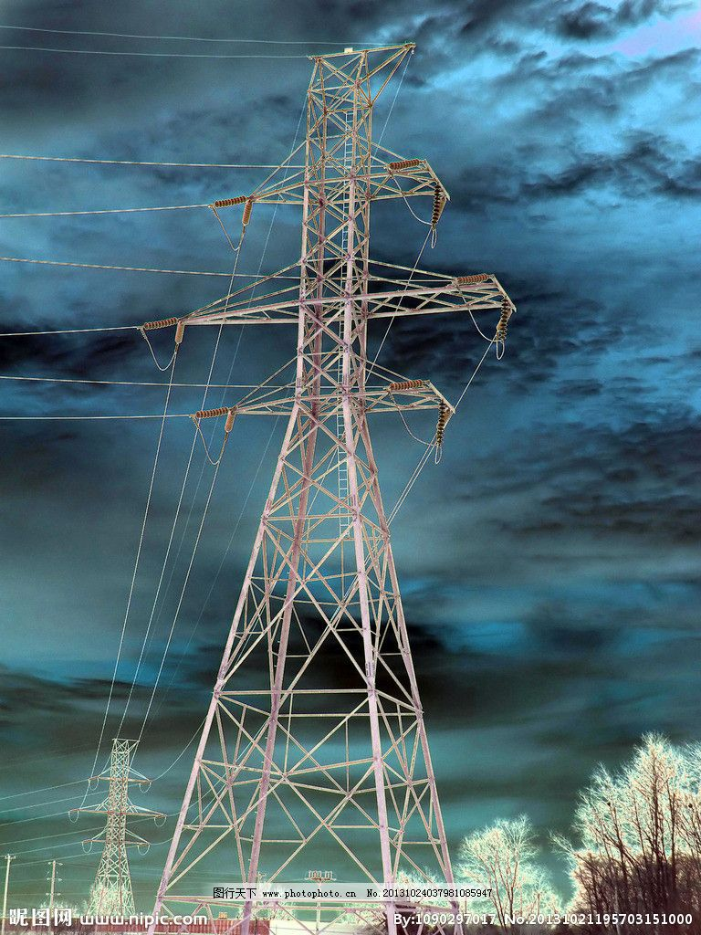 电力输电塔 铁塔 电力铁塔 国家电网 电网 电 黄昏 太阳能电池板 太阳