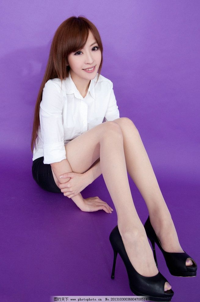丝袜美腿美女图片