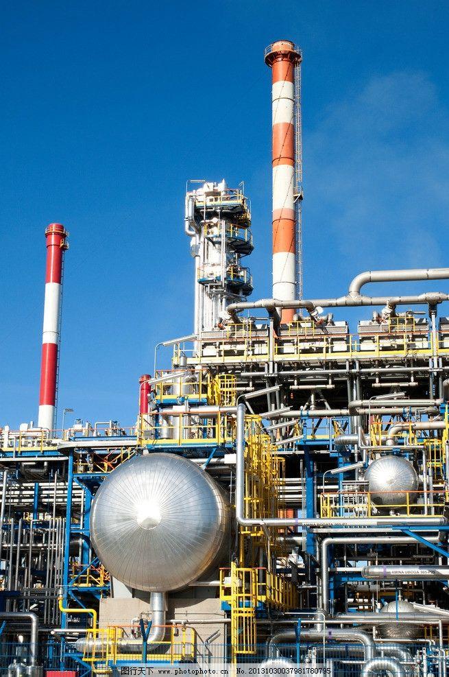 设计图库 现代科技 工业生产  工厂烟囱 工厂 烟囱 化工 工业 管道 燃
