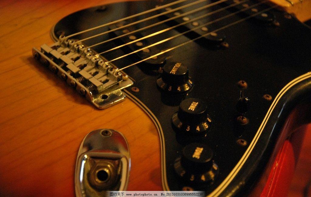 飞机场的10 30吉他