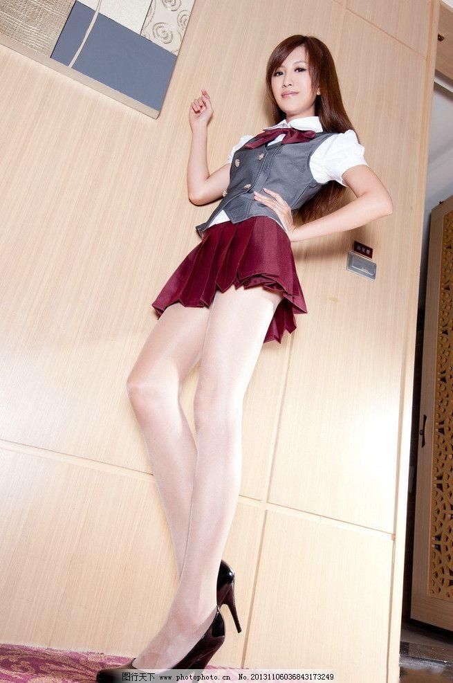 大长腿穿旗袍高跟鞋丝袜