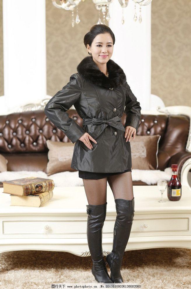 女式皮衣模特儿 内景拍摄 奢华背景 欧式风格 皮衣 女模 模特儿
