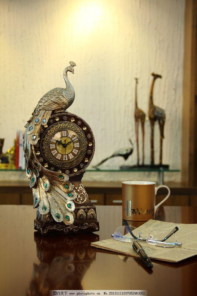 欧式孔雀时钟 尚居 家饰 sumju 欧式 孔雀 时钟 摄影素材 广告素材