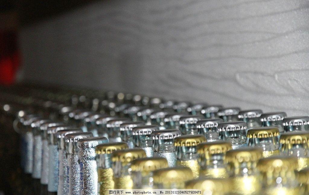 啤酒 酒瓶 瓶盖 创意 背景 饮料酒水 餐饮美食 摄影 72dpi jpg