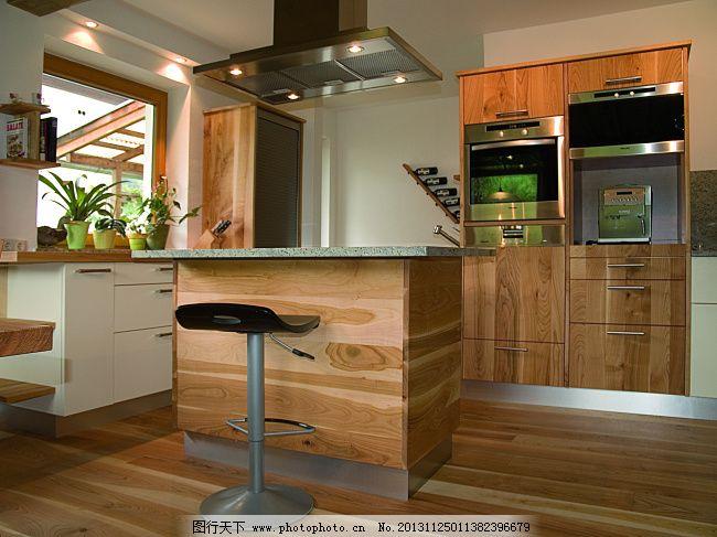 高清实木橱柜敞开式厨房装修图