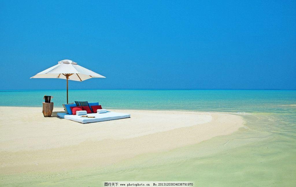 马尔代夫风景 马尔代夫 海岛 椰子树 游泳池 蓝天 白云 旅游 自然