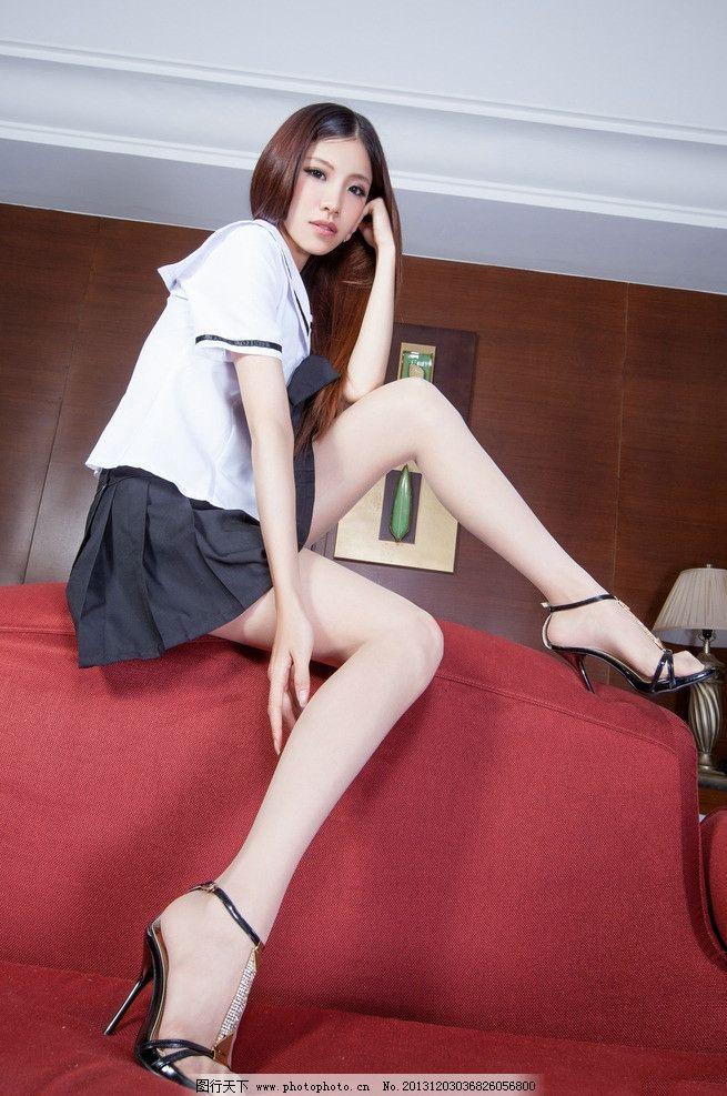 台湾美女 高中制服 学生装 水手服 蝴蝶结 可爱 短裙 百褶裙 丝袜美腿