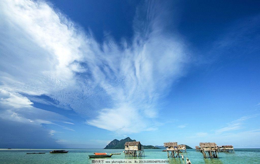 海岛风光 大海 行船 小岛 小木棚 蓝天 白云 自然风景 自然景观 摄影