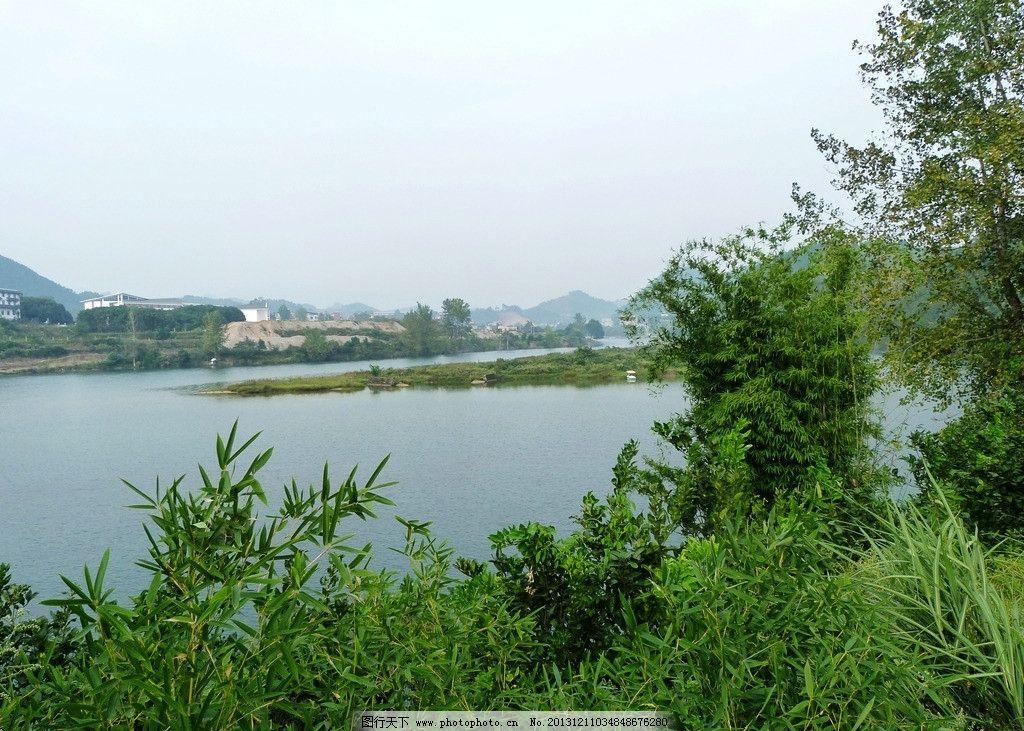 河邊 河流 山水 河邊小樹 青山綠水 自然風景 自然景觀 攝影 180dpi j