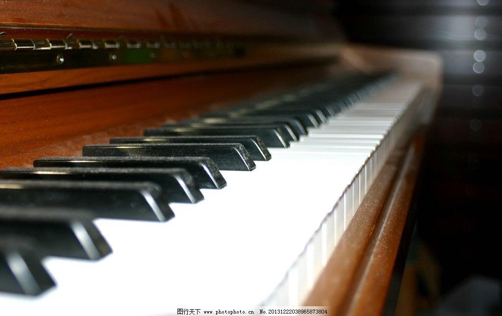 钢琴 钢琴素材 琴键 钢琴美图 乐器 演奏 舞台钢琴 黑白钢琴